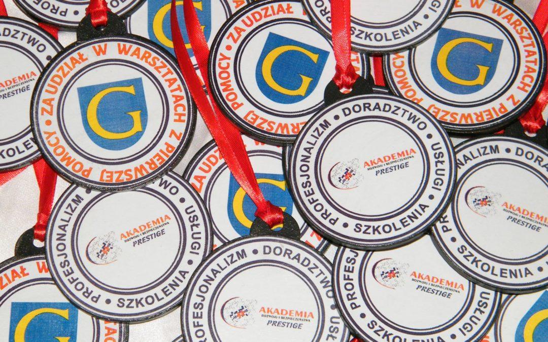 Dekoracje ręcznie robione – medale dla dzieci
